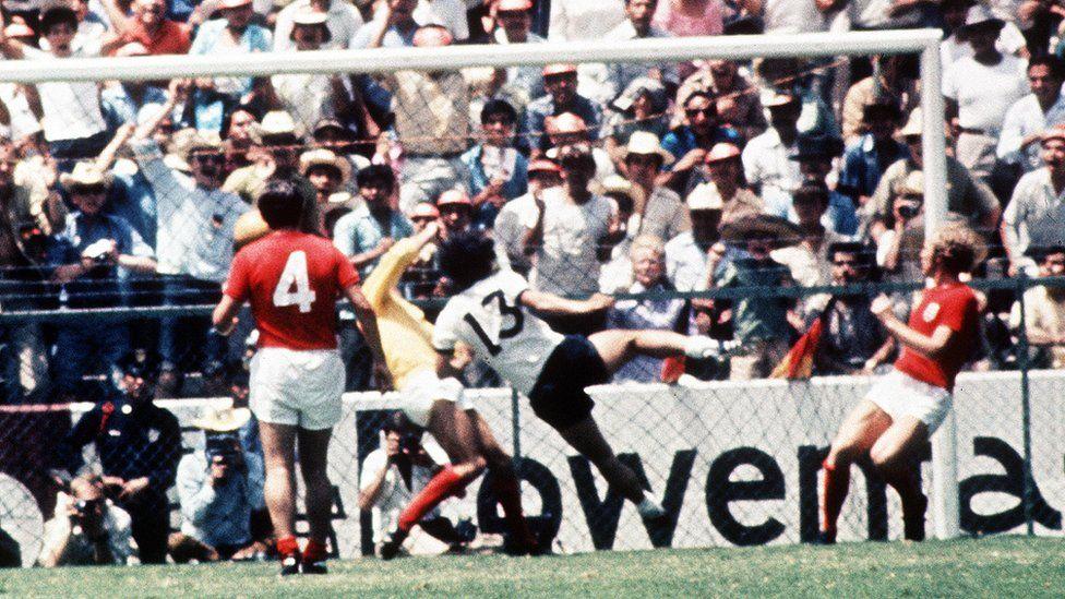 Gerd Mueller scores winner v England