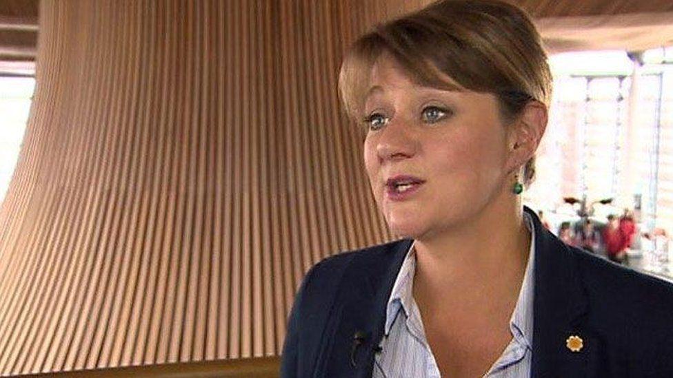 Leanne Wood arweinydd Plaid Cymru
