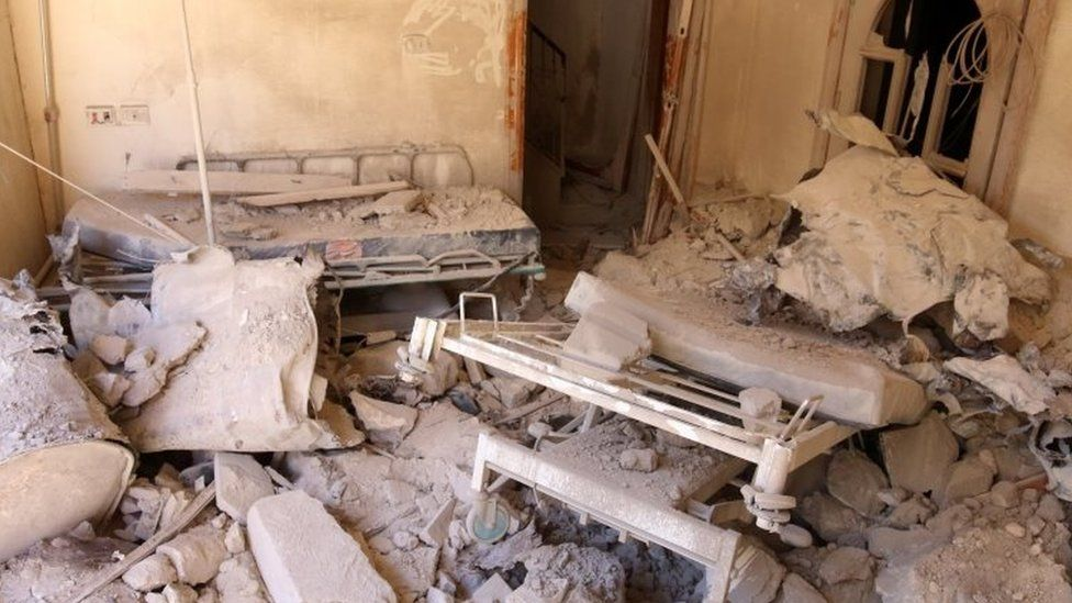 A damaged field hospital room is seen after airstrikes in a rebel held area in Aleppo (01 October 2016)