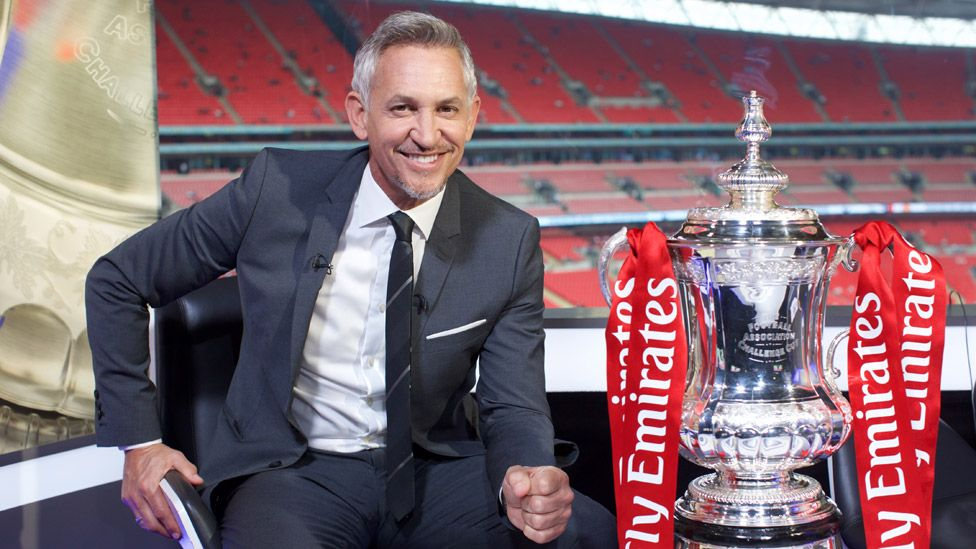 Gary Lineker with the FA Cup