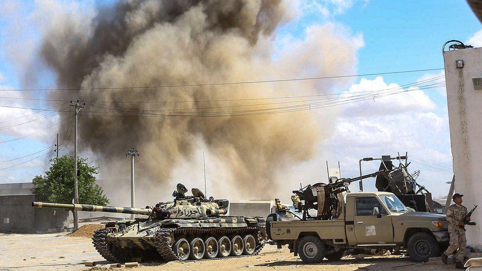 """معارك طرابلس """"الفصل الأعنف في الصراع على النفط"""" بحسب بعض الصحف العربية"""