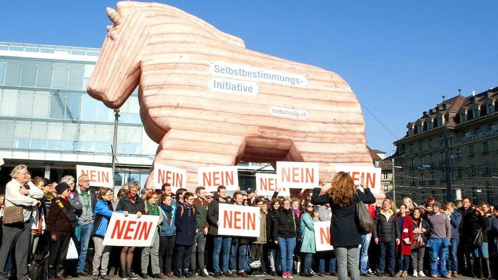 Model of a Trojan horse used by No campaign