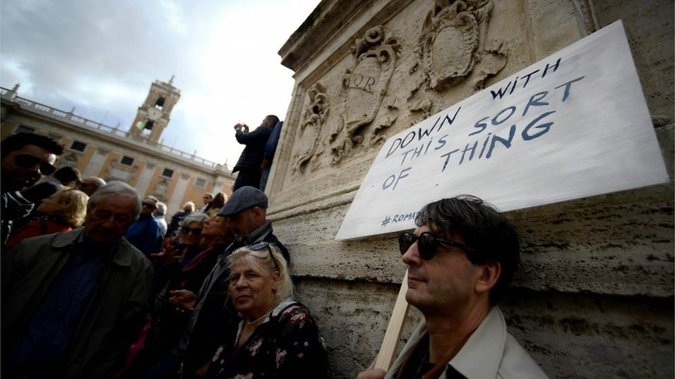 Protesters in Rome October 2018