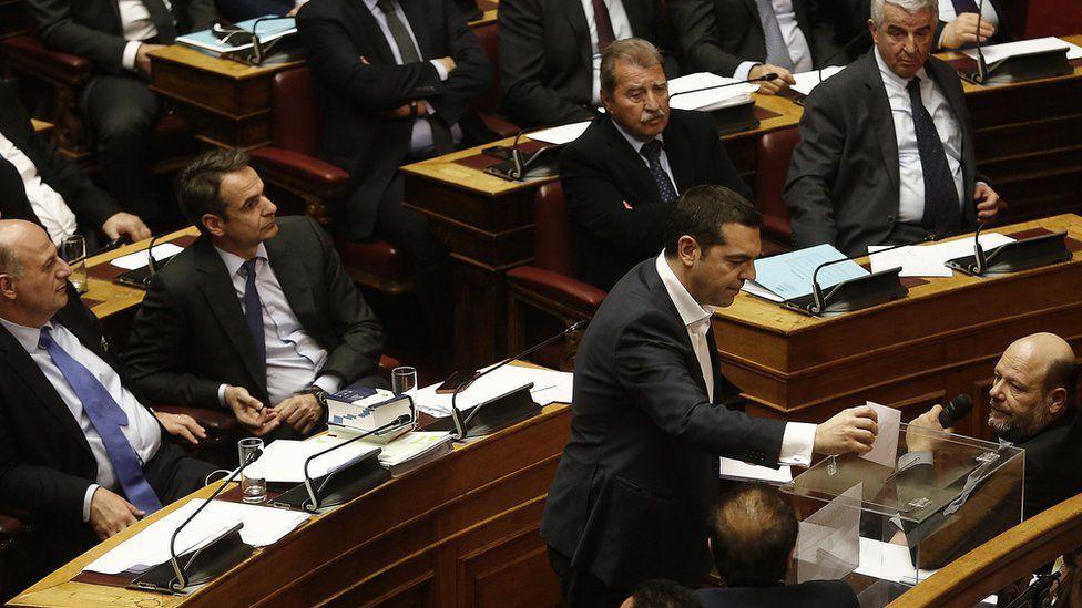 PM Tsipras voting, 21 Feb 18