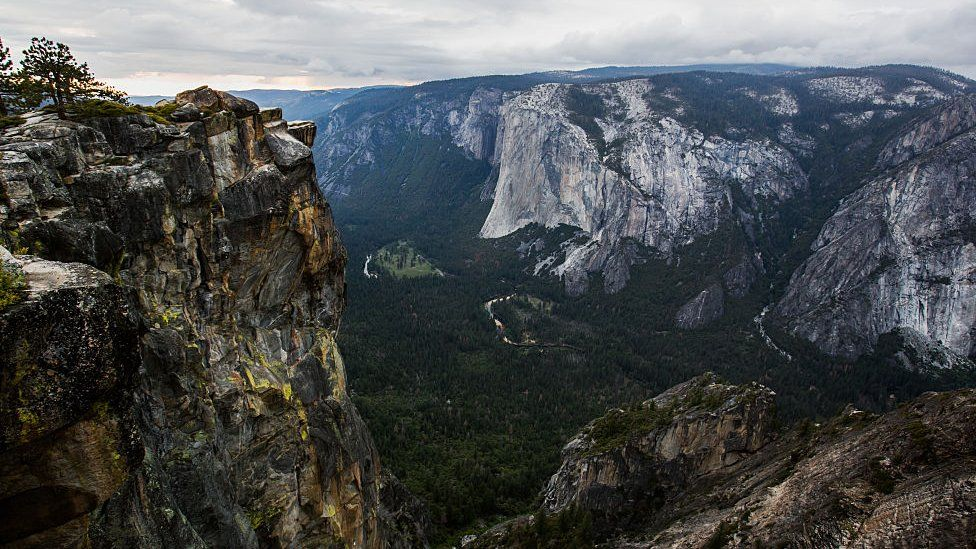 Taft Point, on left, rises about 3,000ft (900m) off the valley floor