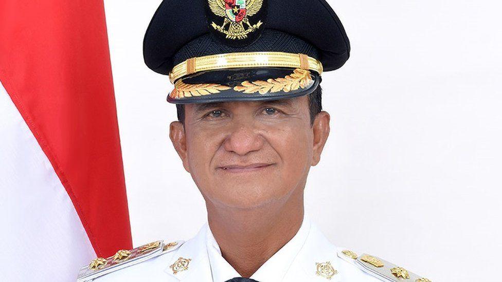 Helmud Hontong