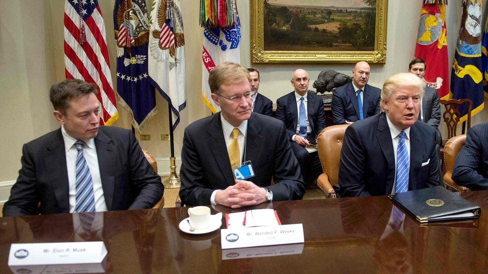 Elon Musk with Corning CEO Wendell Weeks and Us President Donald Trump at the White House