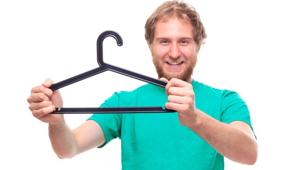 Как прожить с минимумом одежды в шкафу