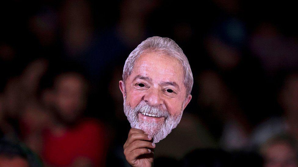 PT oficializa Lula candidato: ele poderá fazer campanha e ser eleito mesmo preso?