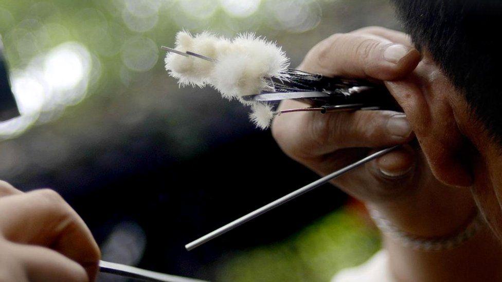 Странная традиция Чэнду: блаженные муки чистки ушей по-китайски