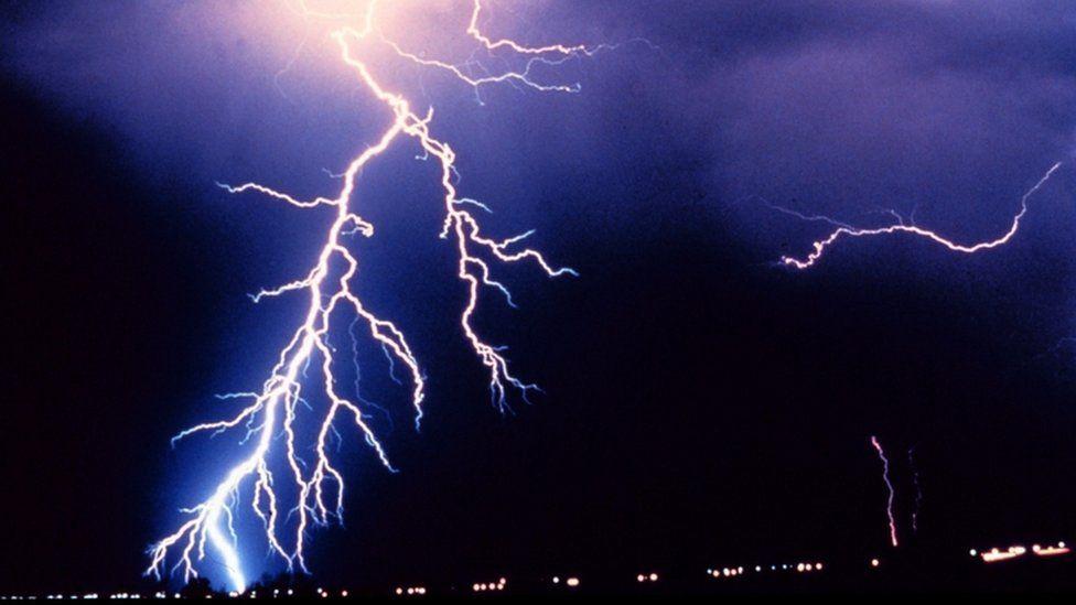 Generic lightning photograph
