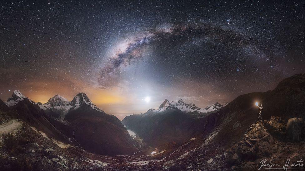 Los nevados de Huascarán y Huandoy en la quebrada Llanganuco, en la Cordillera Blanca de Perú.