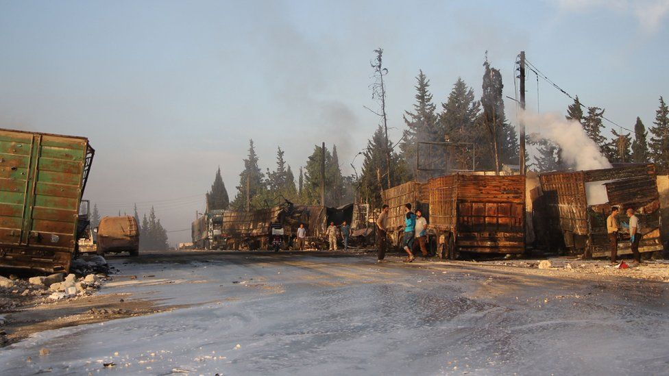 Aftermath of attack on aid convoy in Urum al-Kubra, Syria (20 September 2016)