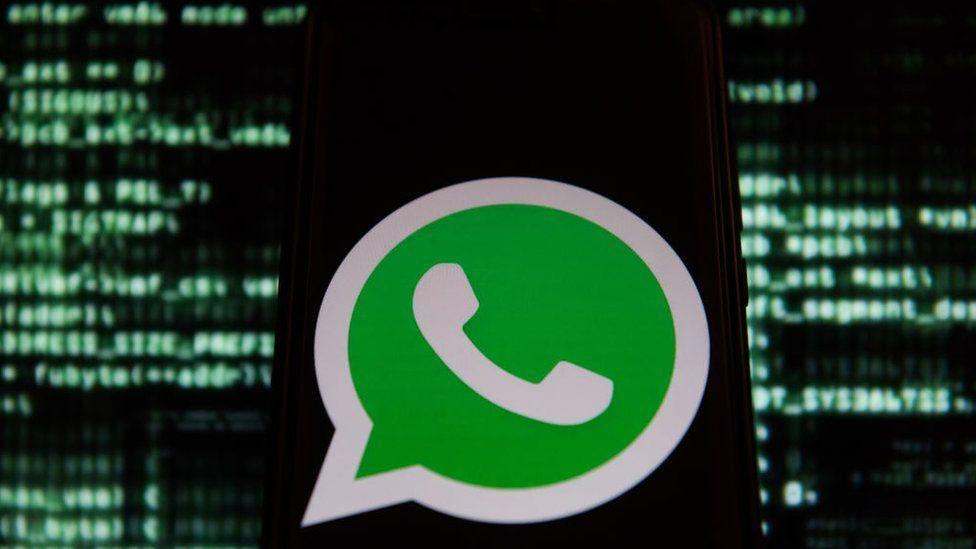 Logo do WhatsApp no celular