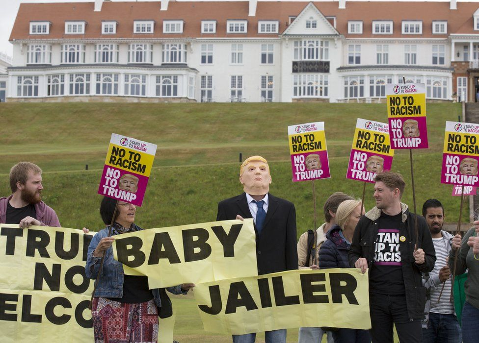 """Trump """"baby jailer"""" protest outside Turnberry"""
