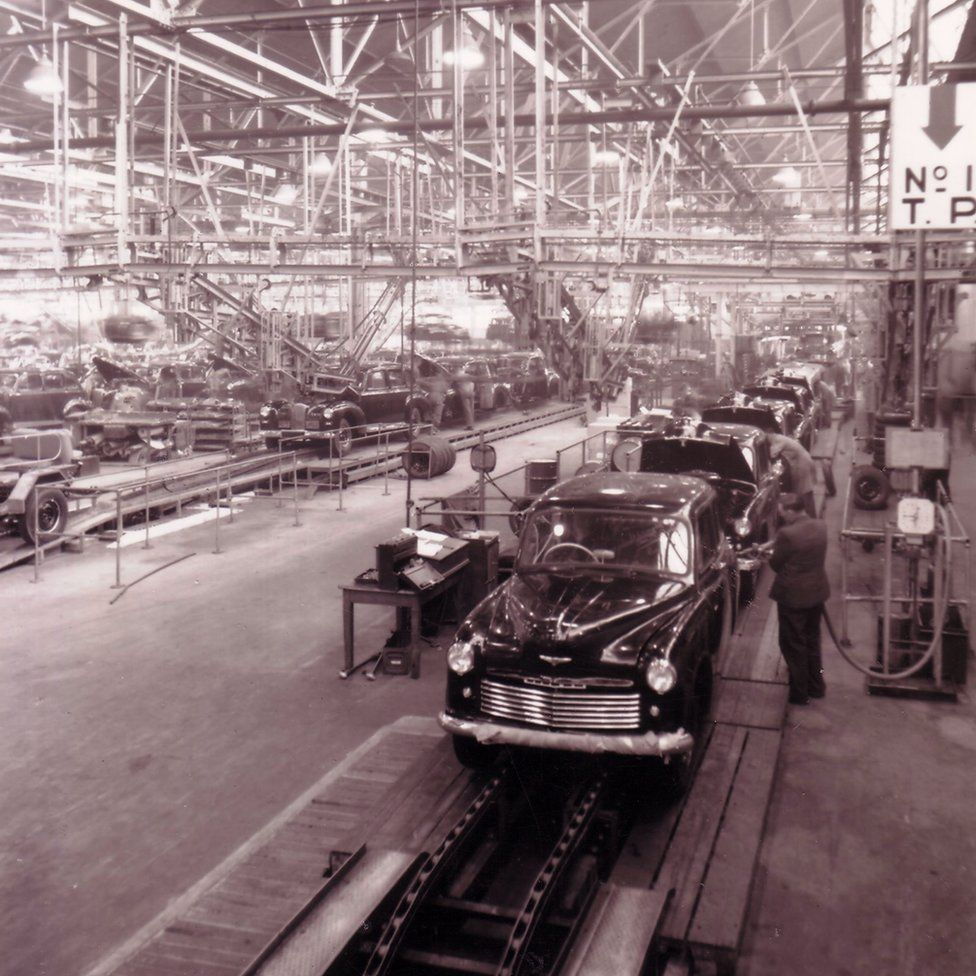 Production at Ryton in the 1950s.