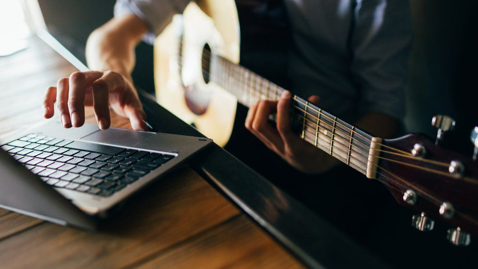 Music education 'risks being outdated by technology'