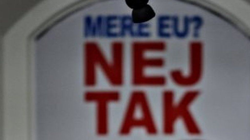 "A slogan in Copenhagen that reads: ""More EU? No thanks."""
