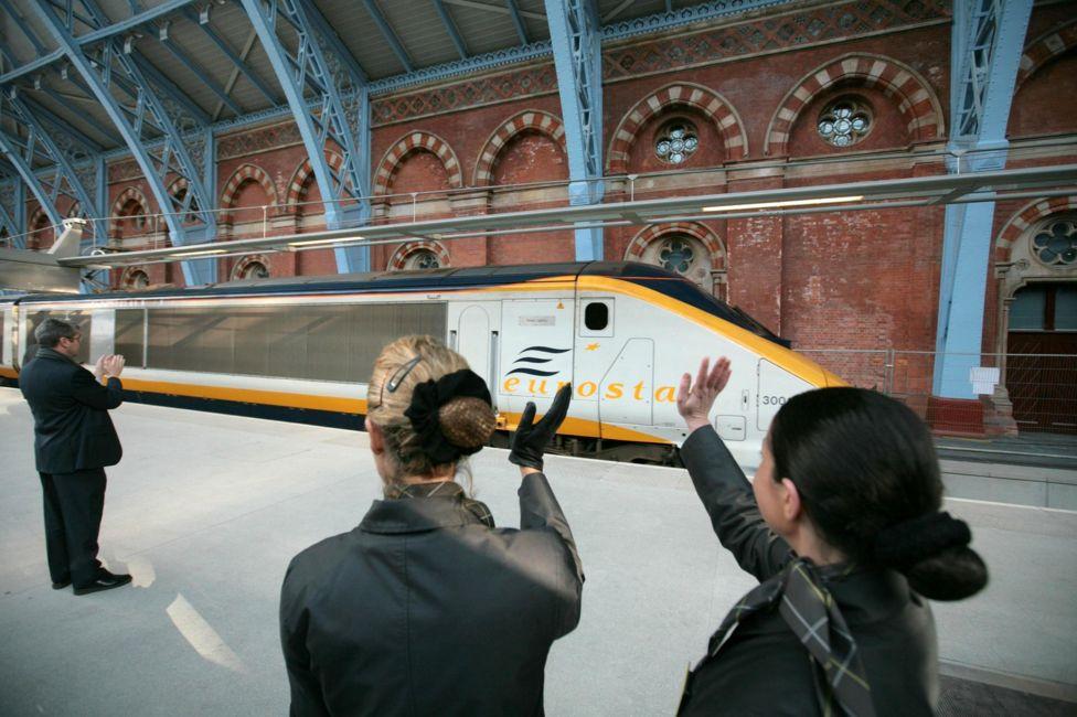 2007年11月14日,伦敦到巴黎的欧洲之星列车从圣潘克拉斯站始发。