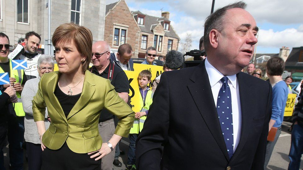 Nicola Sturgeon with Alex Salmond whilst on the General Election campaign trail in Inverurie, 2015
