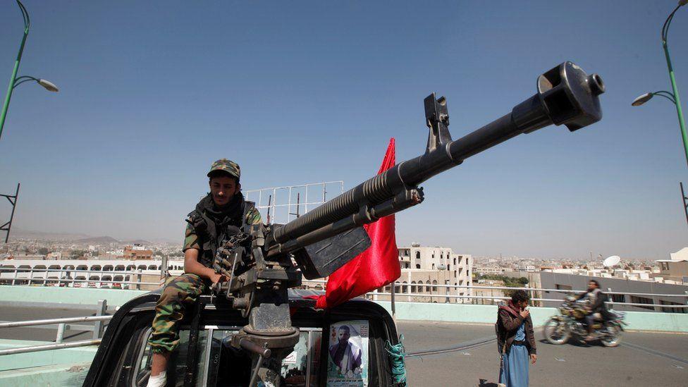صحف عربية: غضب بعد تقارير عن استهداف الحوثيين مكة بصاروخ باليستي