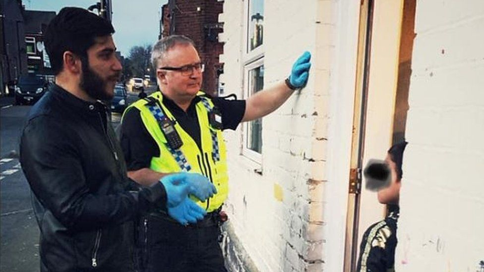 Sheffield North-East Neighbourhood Policing Team speak to people about social distancing regulations