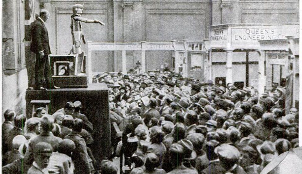Eric wows the crowds in his opening speech to the 1928 Engineering Exhibition in London.