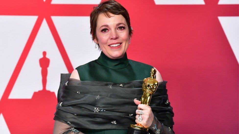 Olivia Colman with her Oscar