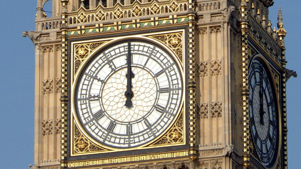 Big Ben clock face in 2007