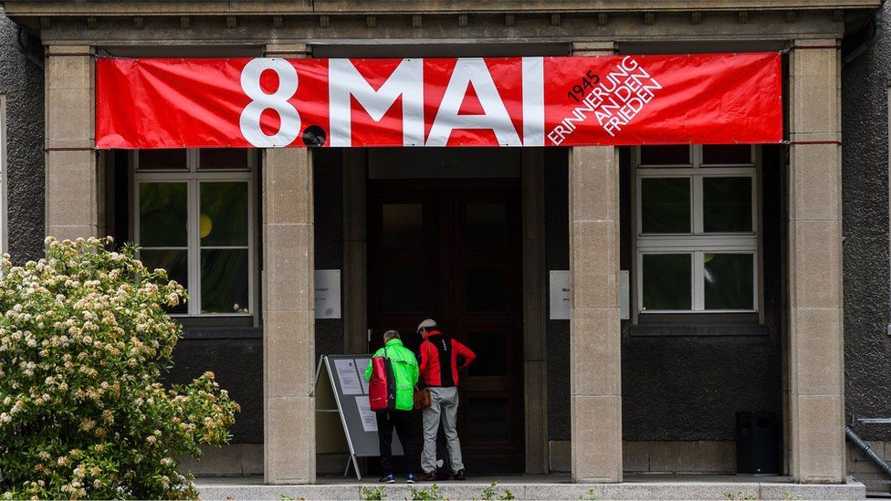 A sign reading 8 May hangs on the German-Russian Museum in Berlin