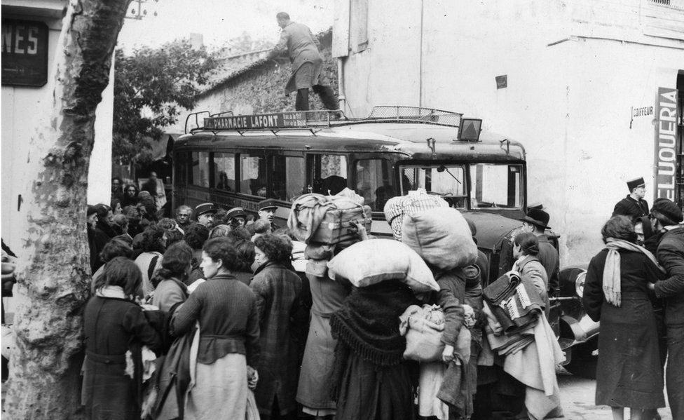 French refugees, fleeing from the invading Nazis, near the border with Spain (file pic)