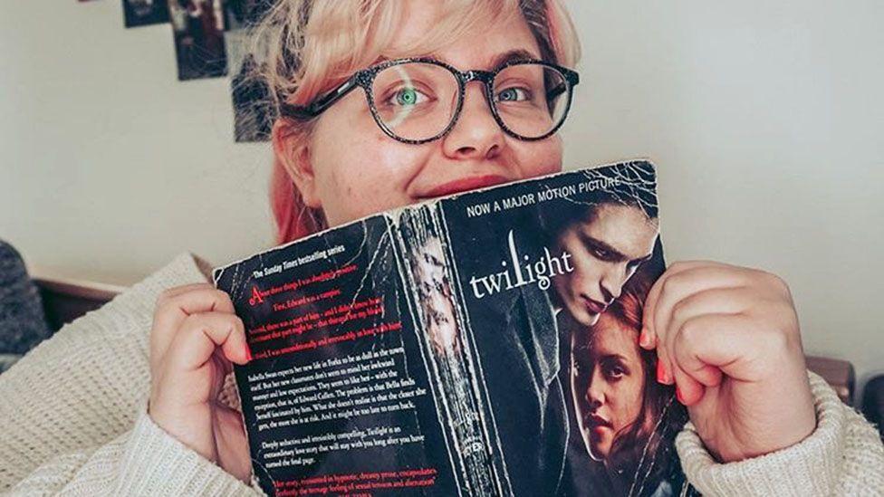 Ashley, Twilight fan