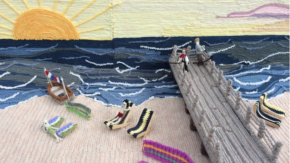 Great Yarmouth's Jetty, knitted