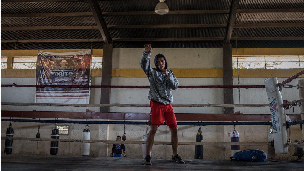 Nicaraguan boxer Robin Zamora in training ahead of the match