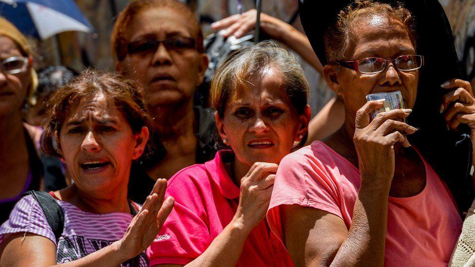 Qué significan para la golpeada economía de Venezuela las sanciones financieras de Estados Unidos