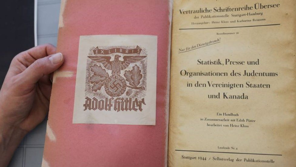 Title page in book owned by Adolf Hitler