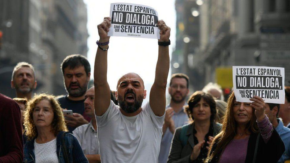 Independencia de Cataluña: el Tribunal Supremo de España condena a entre 9 y 13 años de cárcel a nueve líderes de la región