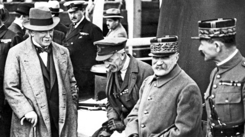 David Lloyd George at a war council in 1918