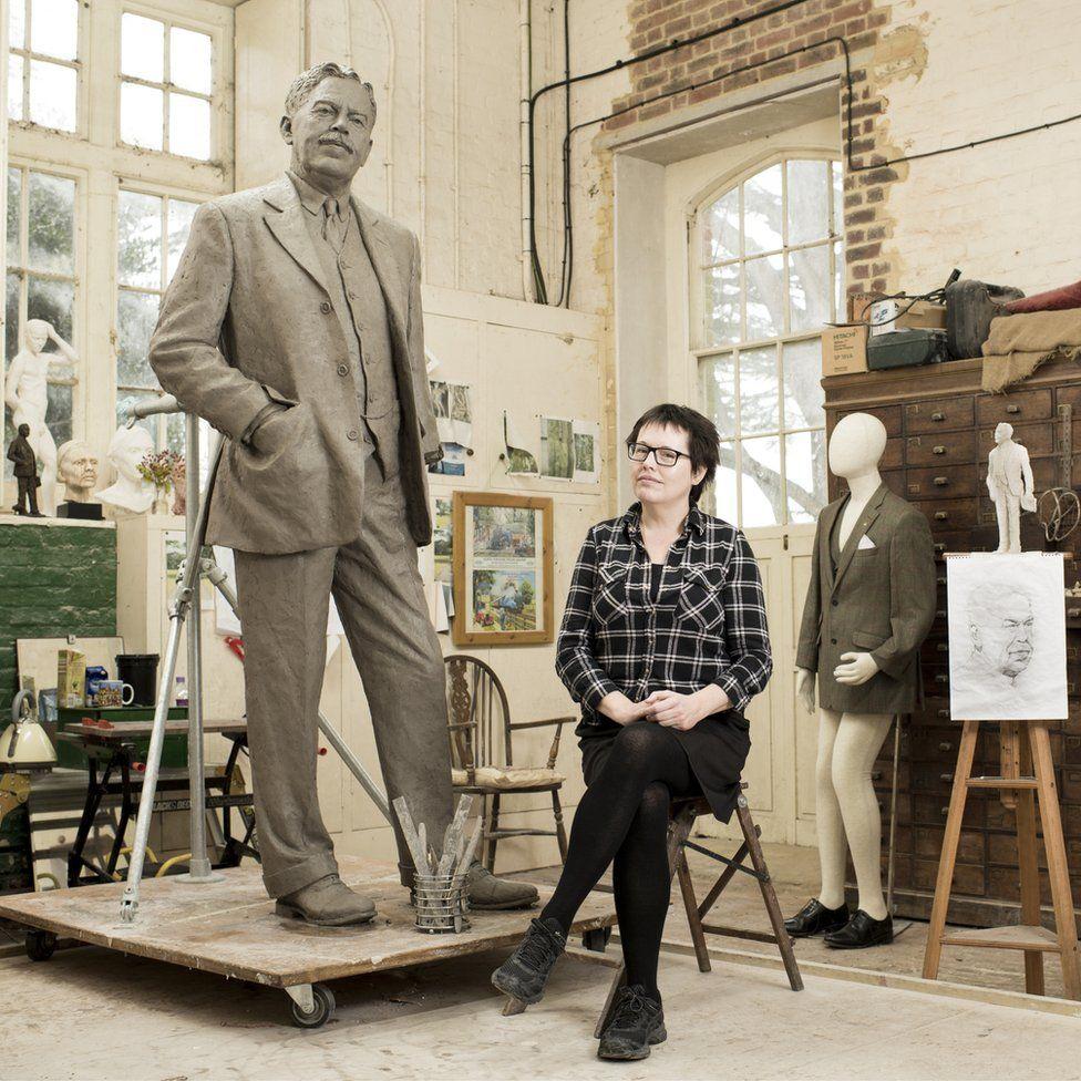 Hazel Reeves with Nigel Gresley statue