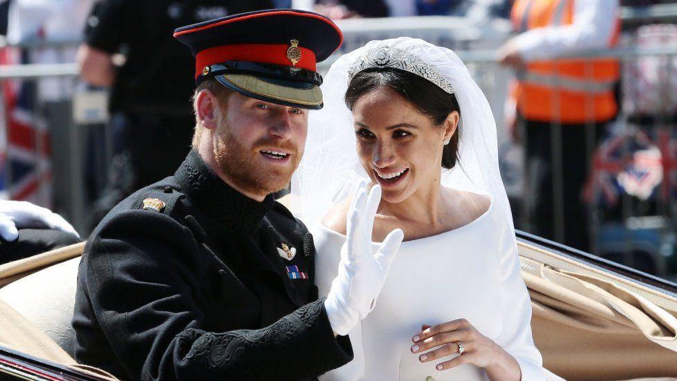 101643103 gettyimages 960087578 - Королевская свадьба: наряд Меган Маркл во всей красе