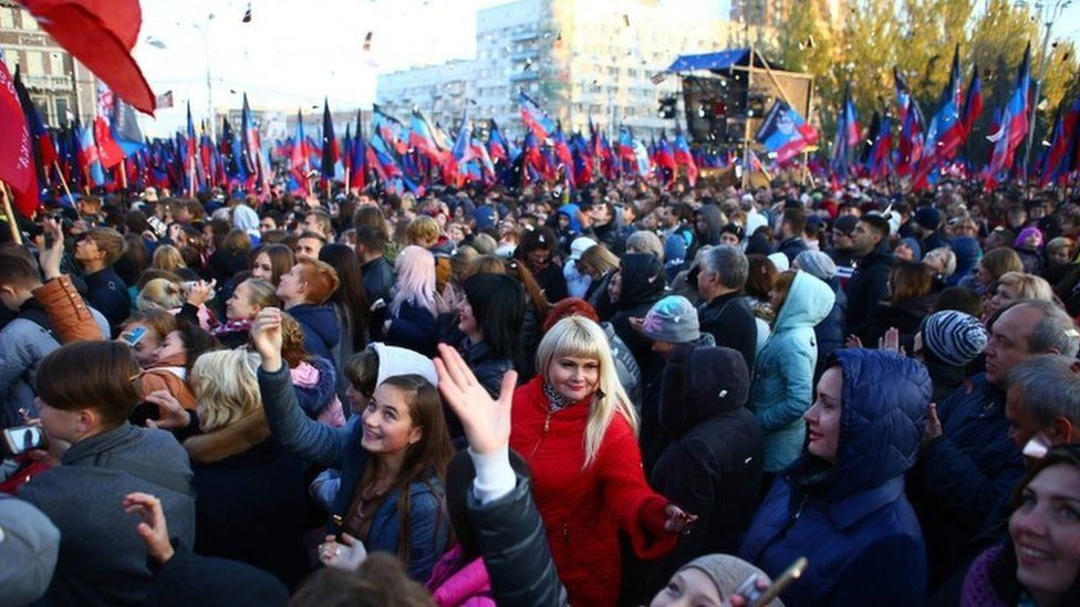 Russia eases passport rules for east Ukrainians