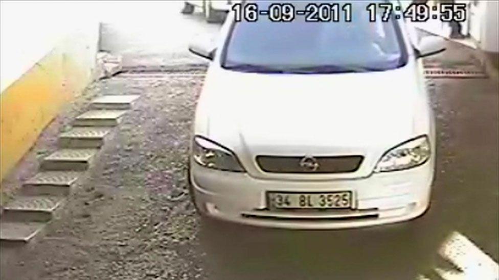 White Opel Astra