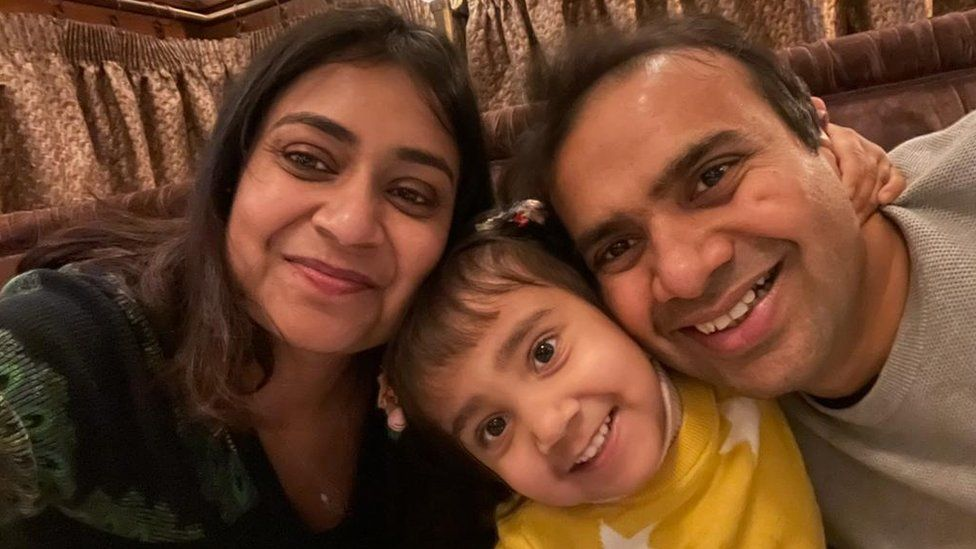 Vick Busa with his wife Isha and their daughter Aahana