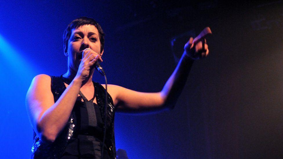 Betty Bonifassi performing in Paris