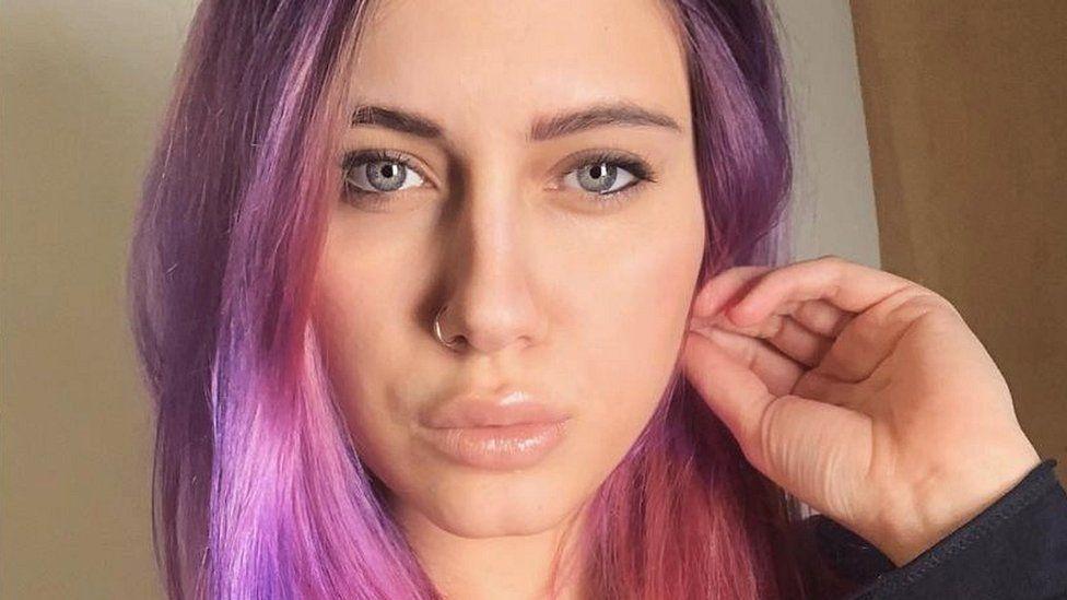 Lilya Novikova, Instagram selfie