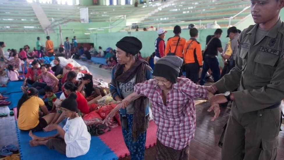 Evacuated local residents in a temporary shelter Klungkung, Bali. Photo: 22 September 2017