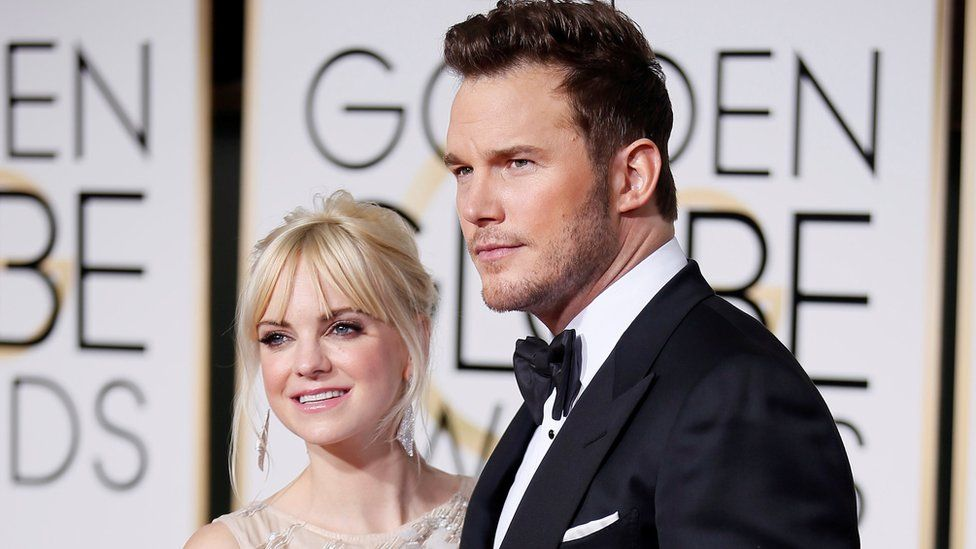 Anna Faris and Chris Pratt arrive at the 72nd Golden Globe Awards in Beverly Hills, 11 January 2015