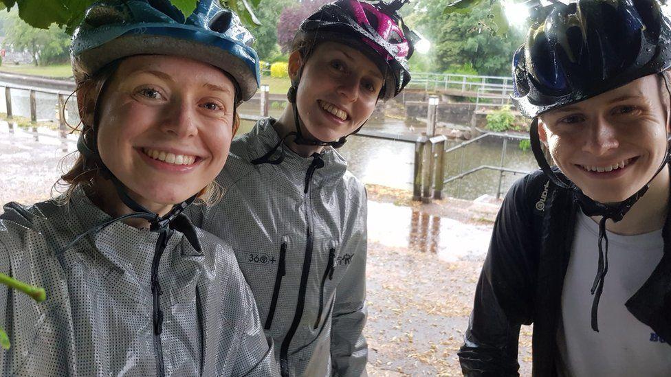 Isobel, Rachel and Andrew Jobson