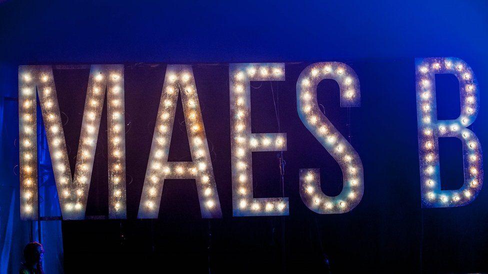 Maes B