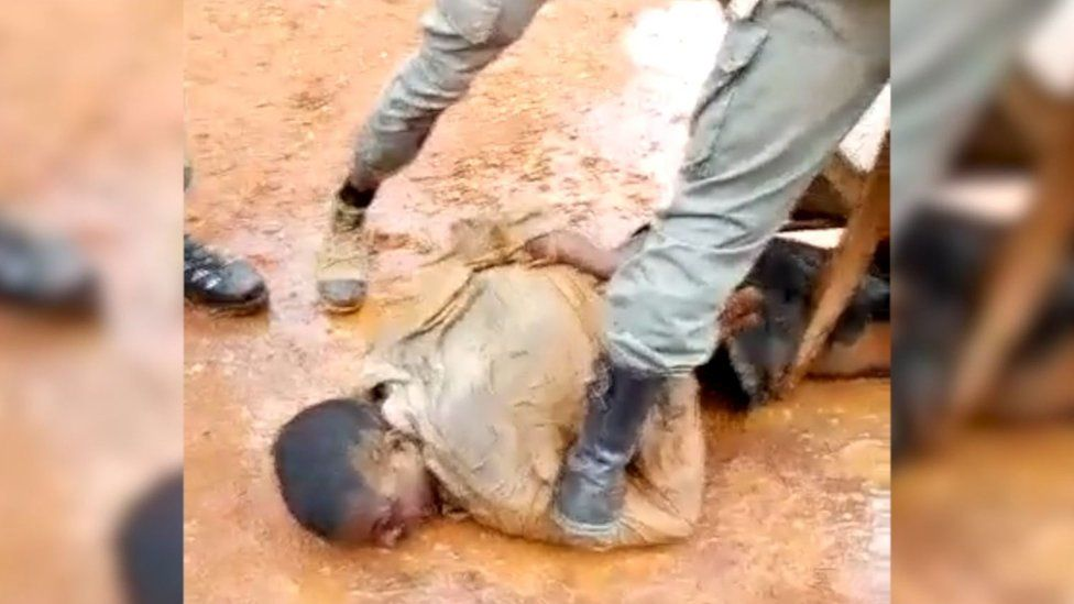 This video appears to show Cameroonian gendarmes torturing a separatist commander